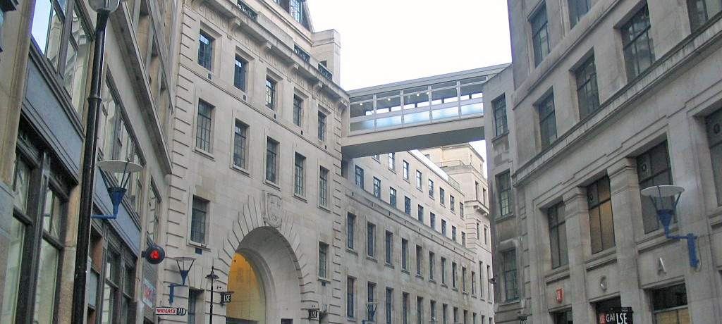 London School of Economics, Old Building, Beveridge von der LSE half geflohenen Wissenschaftlern in der Zwangsmigration